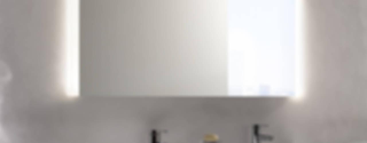 KEUCO MIRROR CABINETS - ROYAL MATCH :  de estilo  por Centro de Diseño Alemán