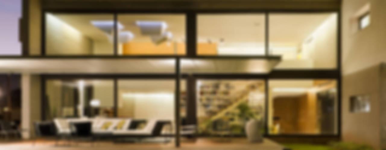 Casa D&E Casas de estilo moderno de sanahuja&partners Moderno