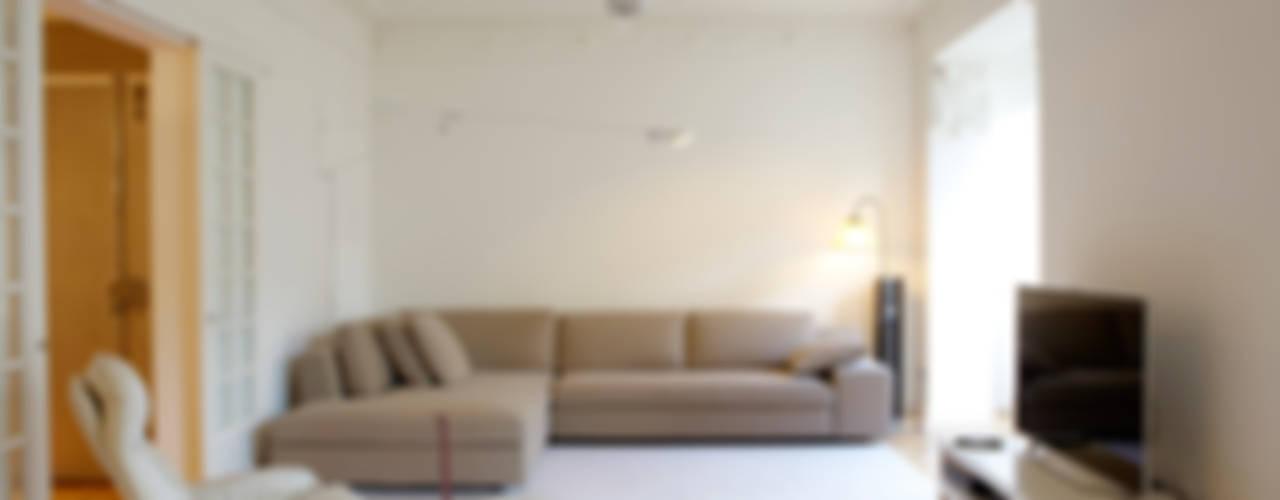 Vivienda ORTEGA y GASSET. Madrid Salones de estilo moderno de Beriot, Bernardini arquitectos Moderno