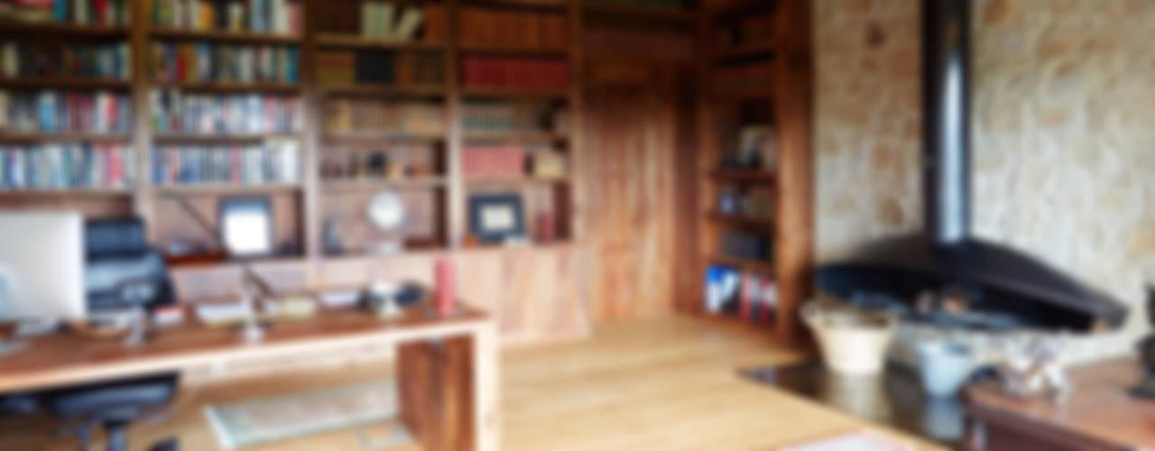 HUGA ARQUITECTOS Maisons rustiques