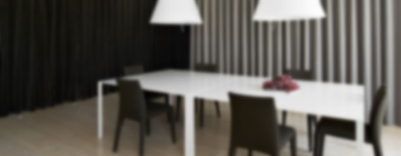 Sala da pranzo minimalista di Vaíllo & Irigaray Minimalista
