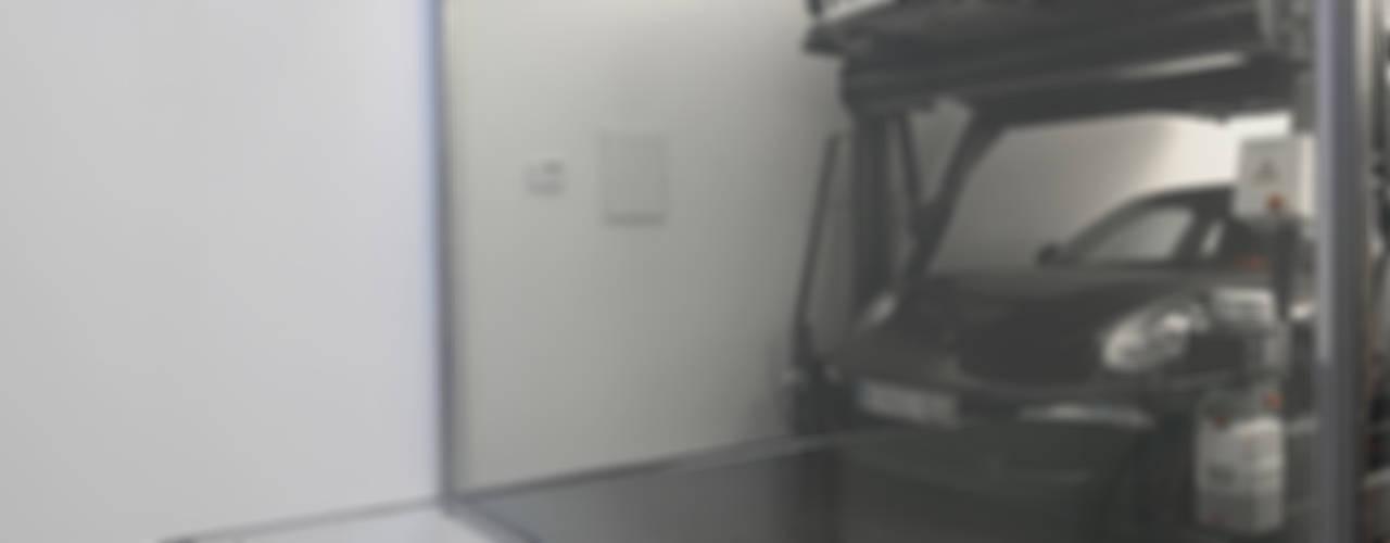 Barbosa & Guimarães, Lda. Garage / Hangar modernes