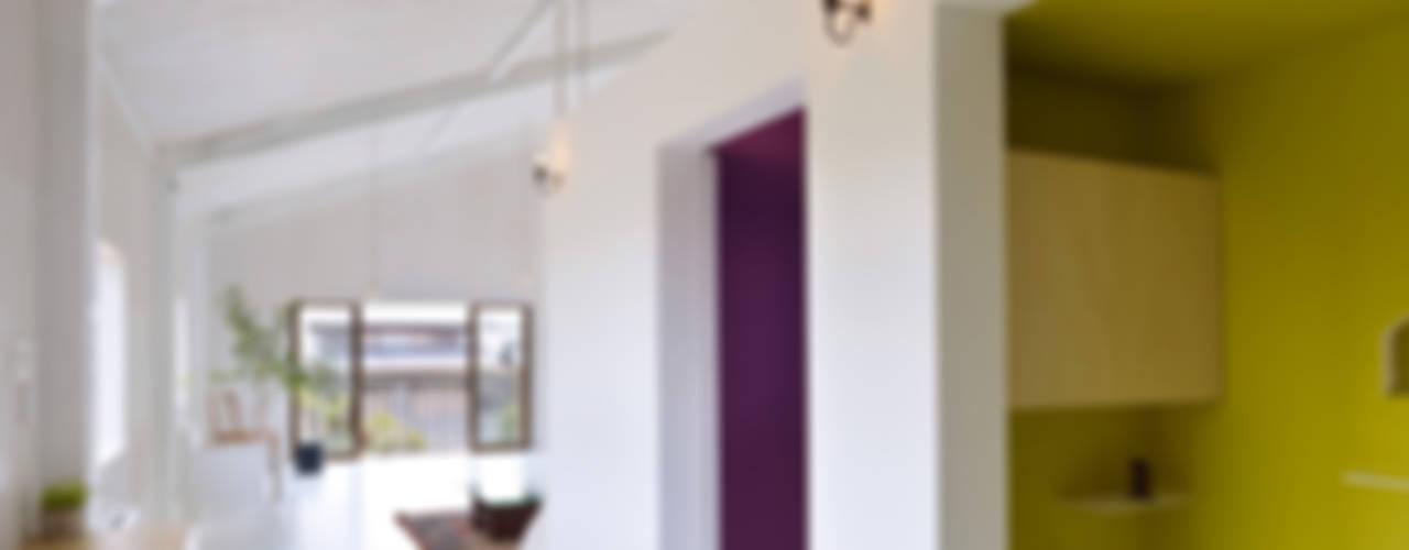 Soggiorno minimalista di AIRHOUSE DESIGN OFFICE Minimalista