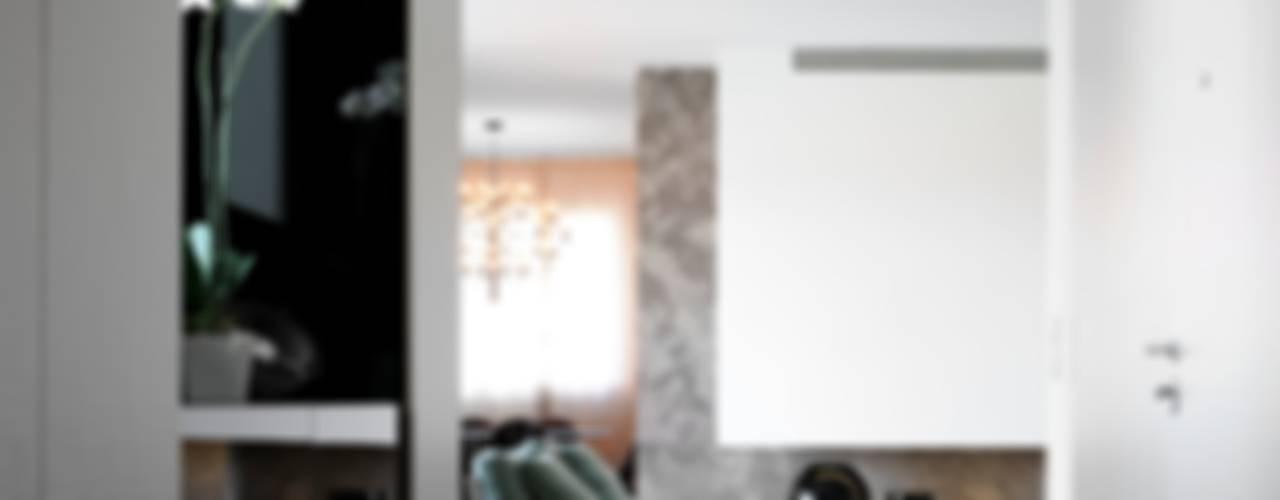 Casa Privata Ingresso, Corridoio & Scale in stile moderno di ANG42 Moderno