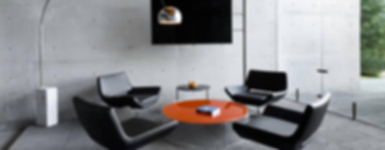 Estudios y oficinas minimalistas de grupoarquitectura Minimalista