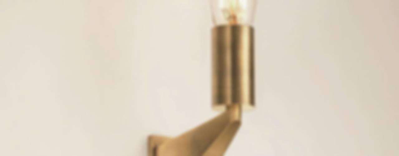 Messing Wandleuchte von LFF Licht Form Funktion Leuchten GmbH Klassisch