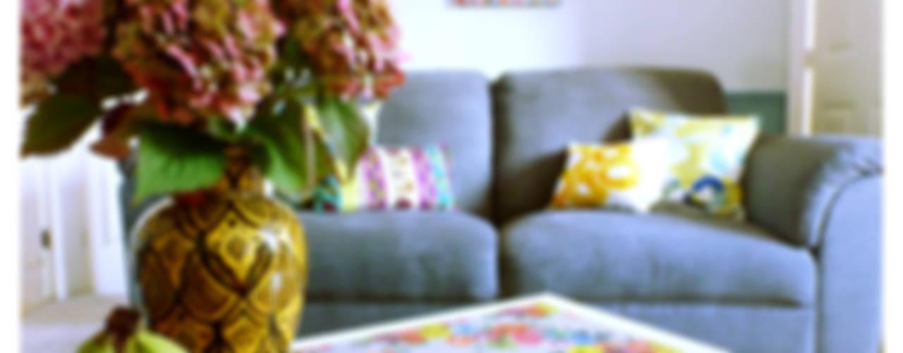 Livings de estilo  por Crow's Nest Interiors , Ecléctico