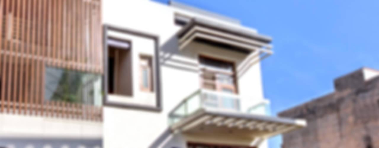 Дома в . Автор – Studio An-V-Thot Architects Pvt. Ltd., Модерн