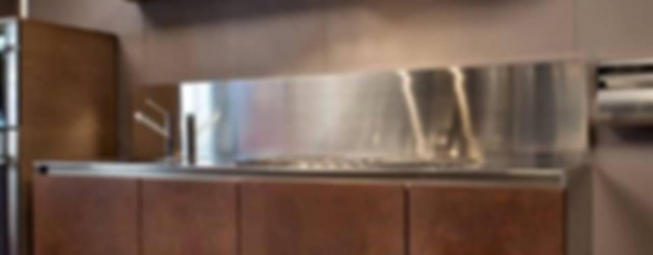 CUCINA BROWN STEEL di SteellArt Minimalista