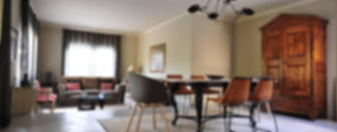 Salas de jantar clássicas por BONBA studio Clássico