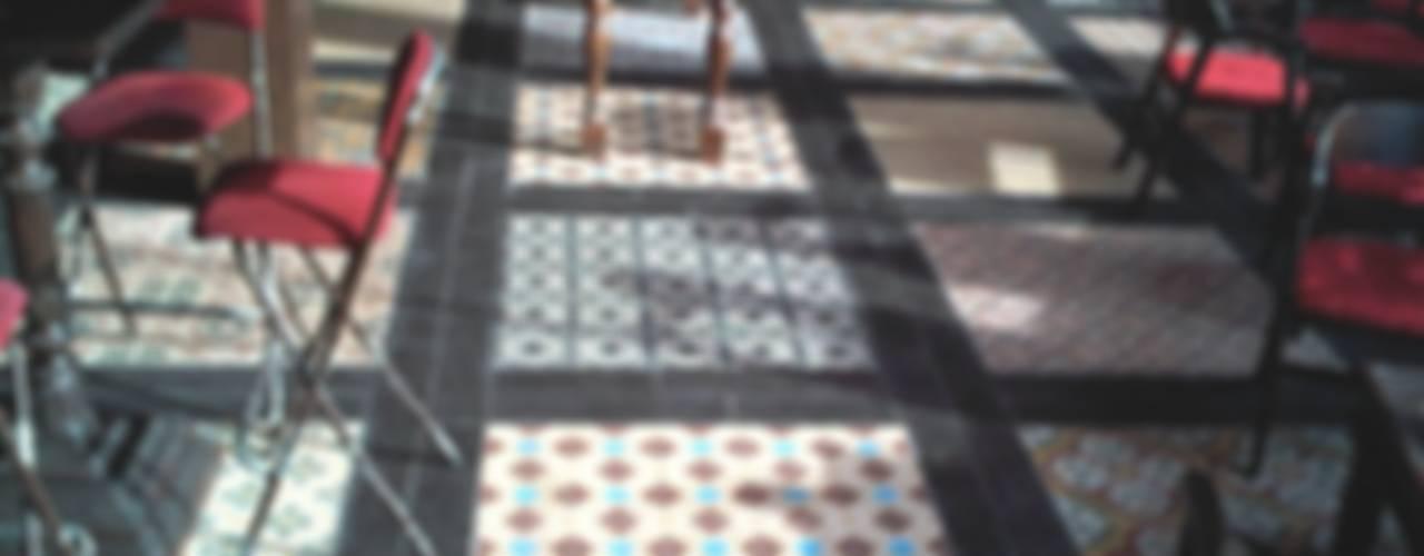 PATCHWORK DE SUELO HIDRAULICO Paredes y suelos de estilo ecléctico de NATURAL FLOOR Suelo hidráulico Ecléctico