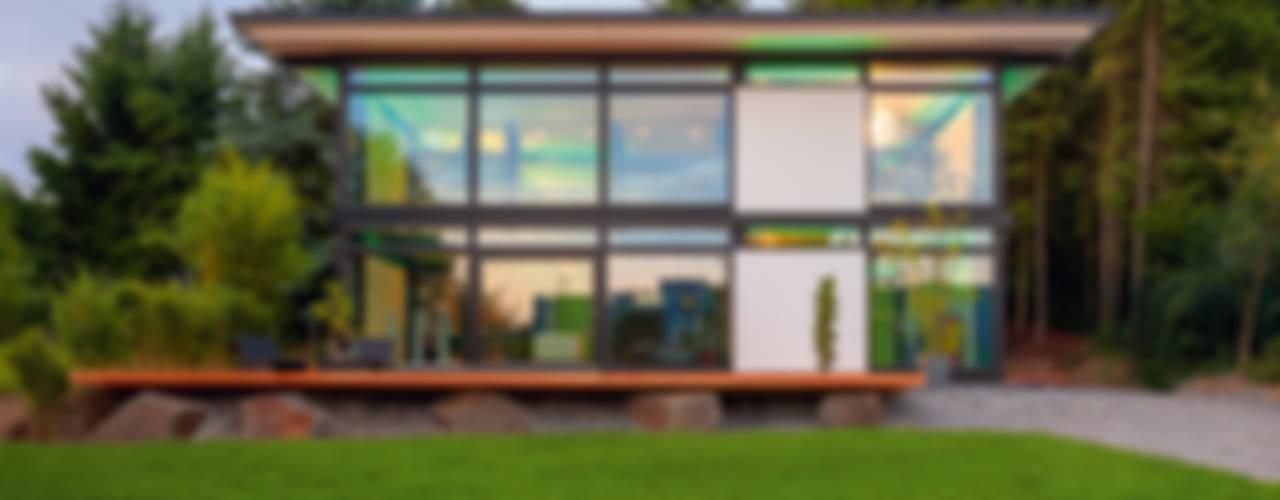 Moderne huizen van HUF HAUS GmbH u. Co. KG Modern