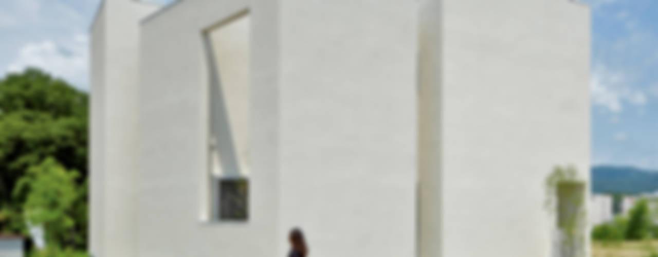QUARTER HOUSE: METAPH建築設計事務所 / METAPH ARCHITECT ASSOCIATESが手掛けた家です。,モダン