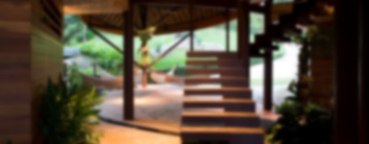 Casa Folha Corredores, halls e escadas tropicais por Mareines+Patalano Arquitetura Tropical