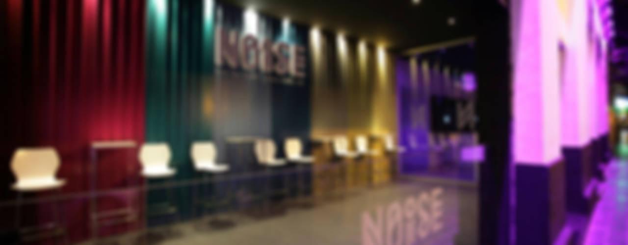 Discoteca Noise Conca y Marzal Salones de estilo moderno