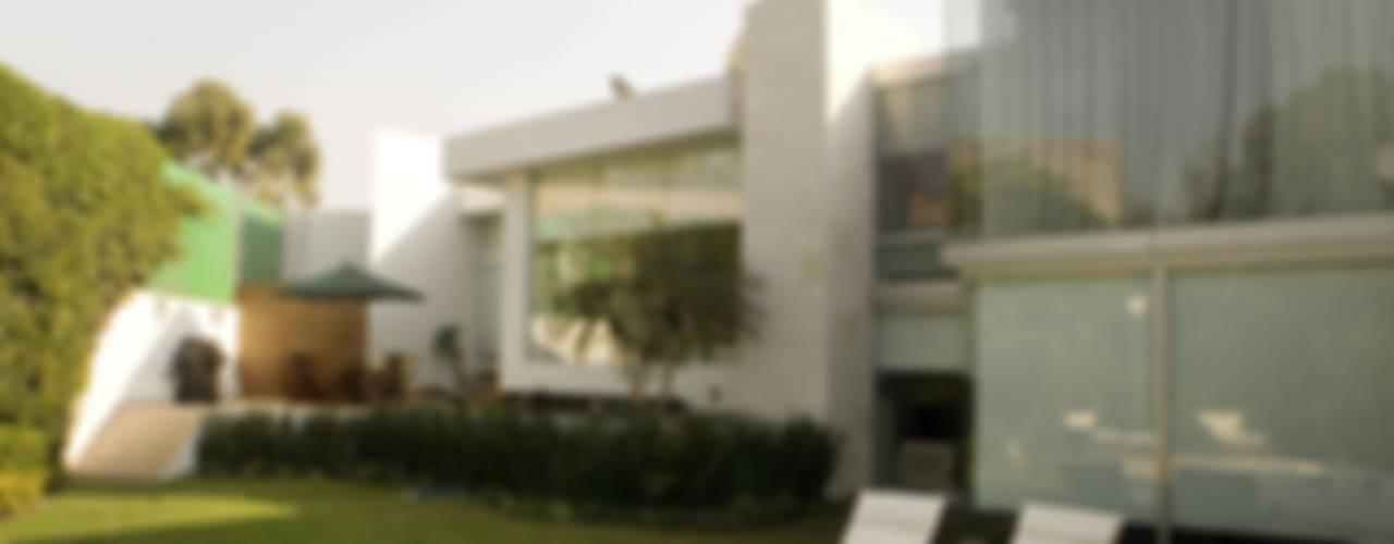 Casa Sauces: Casas de estilo  por ARCO Arquitectura Contemporánea ,