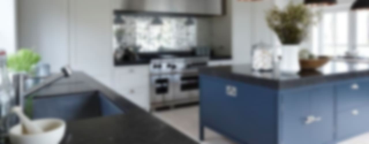 Heritage Кухня в стиле модерн от Mowlem&Co Модерн