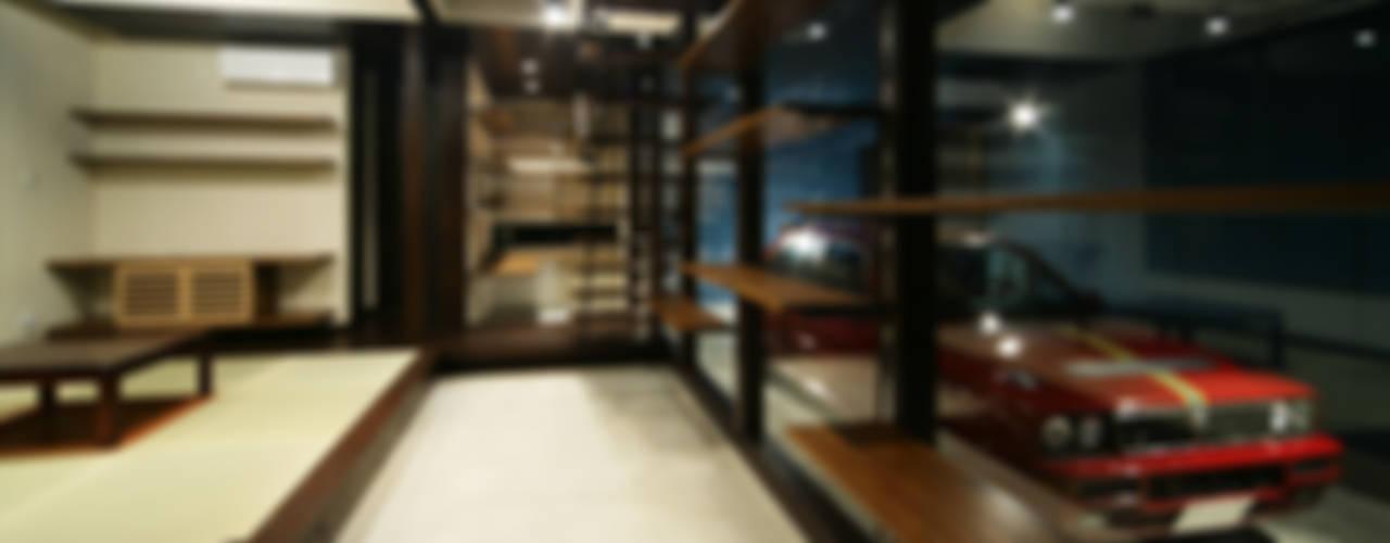 生駒のgarage house オリジナルデザインの ガレージ・物置 の 田中一郎建築事務所 オリジナル