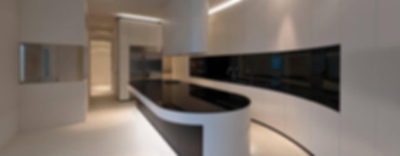 East West Villa:  Keuken door 123DV Moderne Villa's