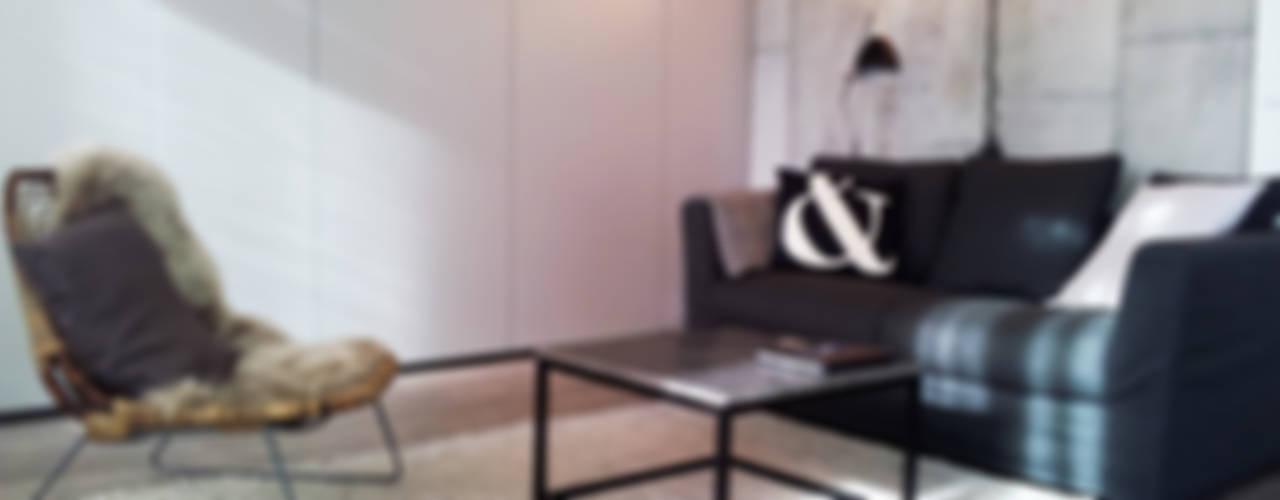 Aménagement studio Salon moderne par Insides Moderne