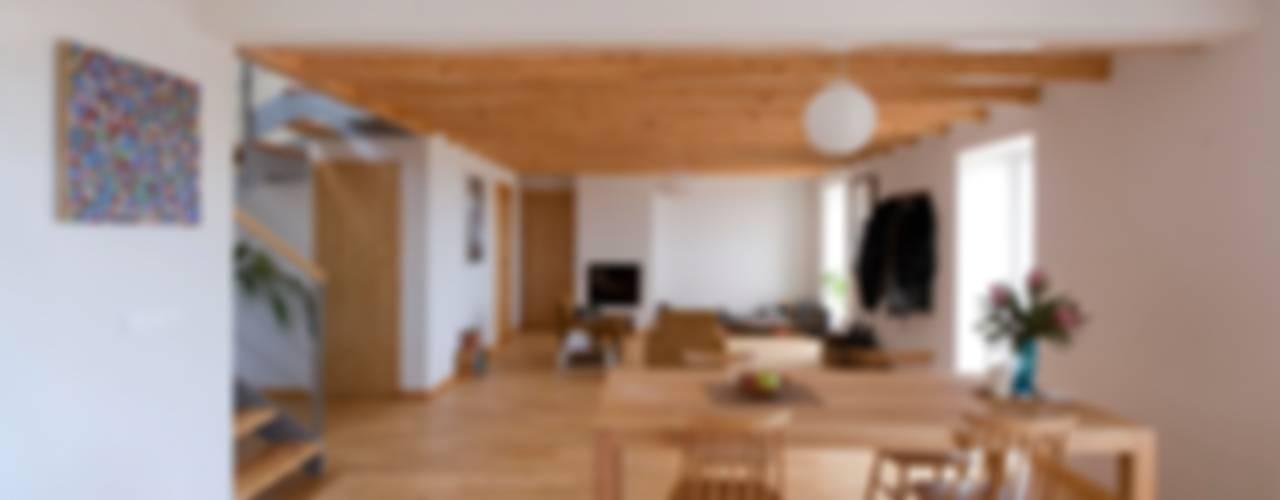 Quinta H | eco-renovation | Madeira Sala da pranzo in stile rustico di Mayer & Selders Arquitectura Rustico