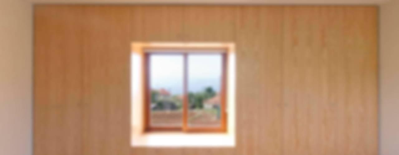 Quinta H | eco-renovation | Madeira ラスティックスタイルな 壁&床 の Mayer & Selders Arquitectura ラスティック