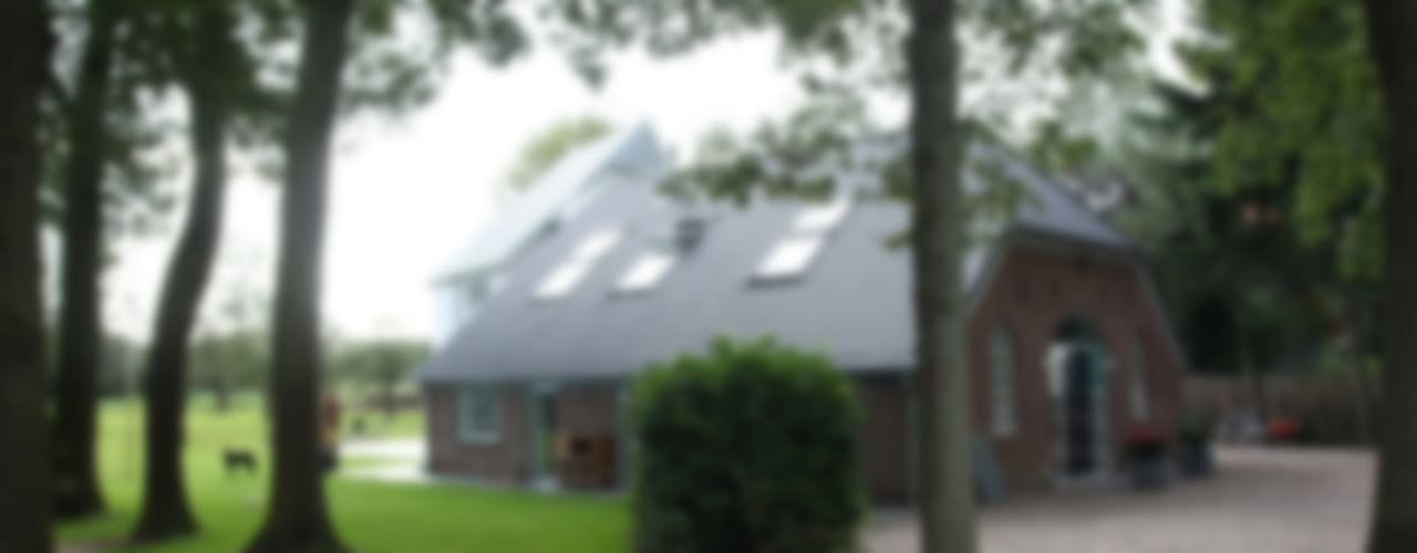 Nieuwbouw en verbouw hallen boerderij Moderne huizen van Architectenbureau Jules Zwijsen Modern