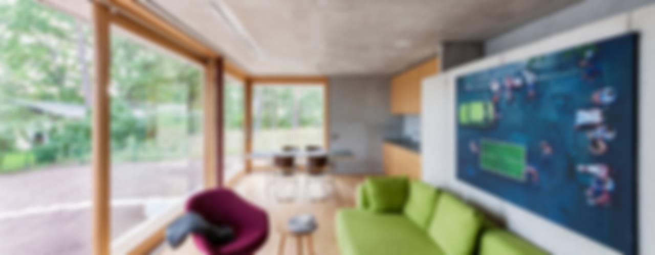 Wochenendhaus am Lübbesee Moderne Häuser von arcs architekten Modern
