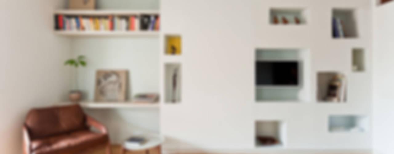 Dormitorios de estilo  por ACABADOMATE , Moderno