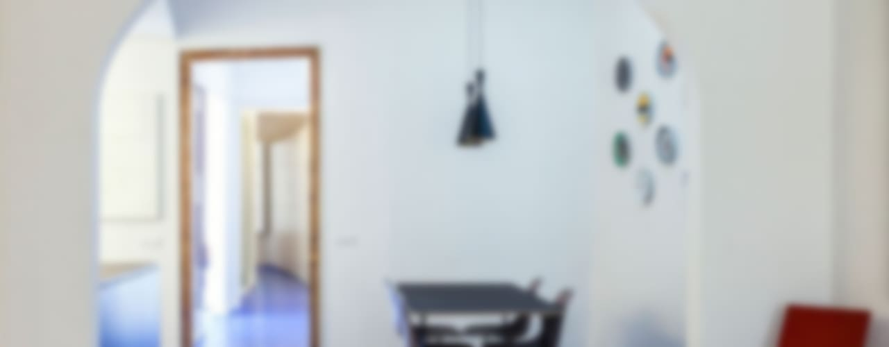Casas modernas: Ideas, imágenes y decoración de ACABADOMATE Moderno