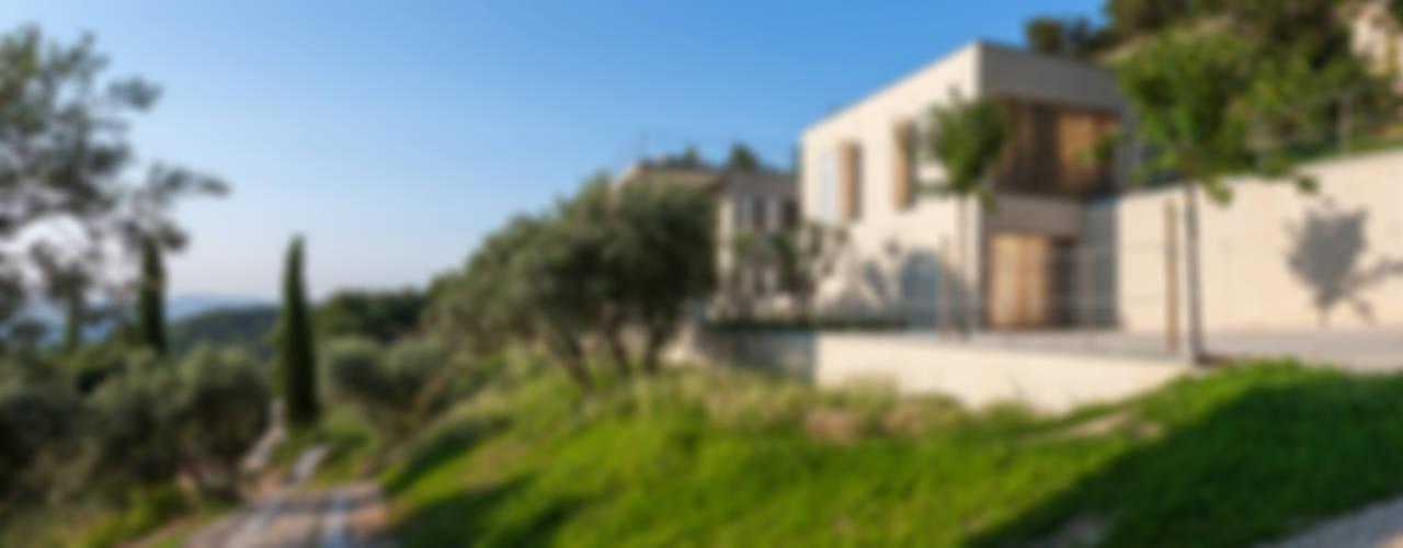un mur habité Maisons modernes par ateliers d'architecture JPB Moderne