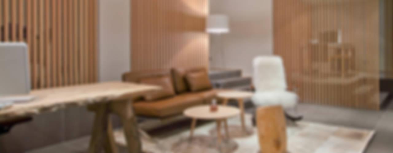 Agence Immobilière - Courchevel - 2011 Bureau minimaliste par leslie gauthier Minimaliste