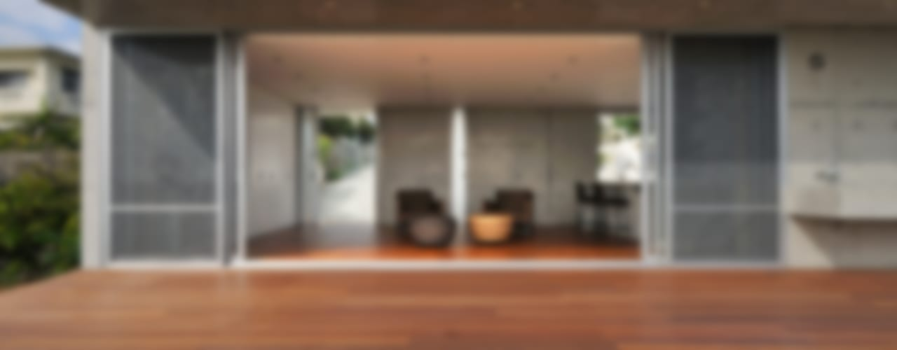 Villa in Hyakuna Moderne huizen van 仲間郁代建築設計事務所株式会社(英名:IKUYO NAKAMA ARCHITECT & ASSOCIATES) Modern