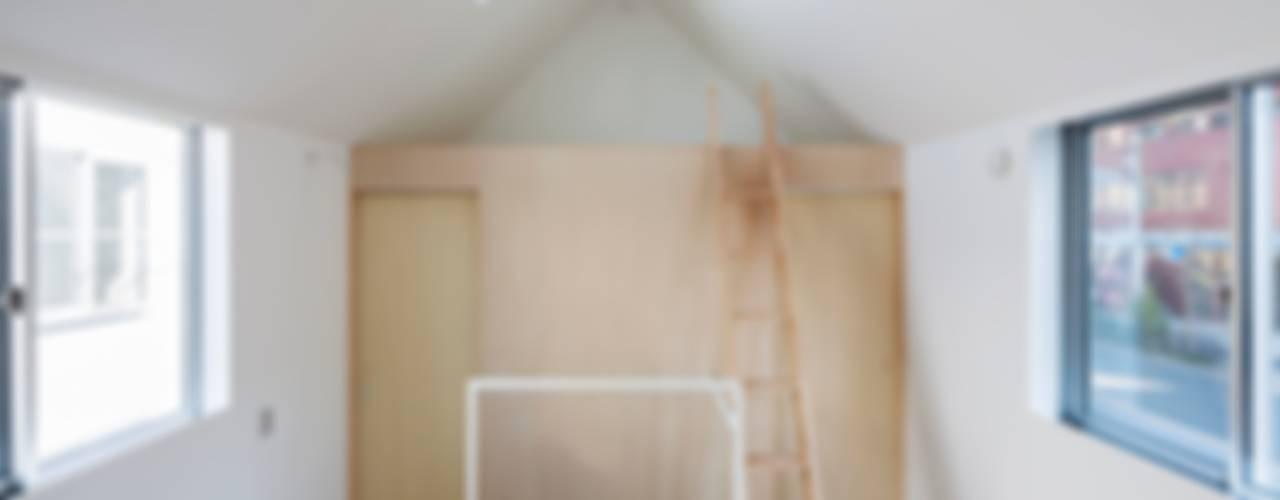 Tokyo Cottage: Umbre Architects/アンブレ・アーキテクツが手掛けた家です。,モダン