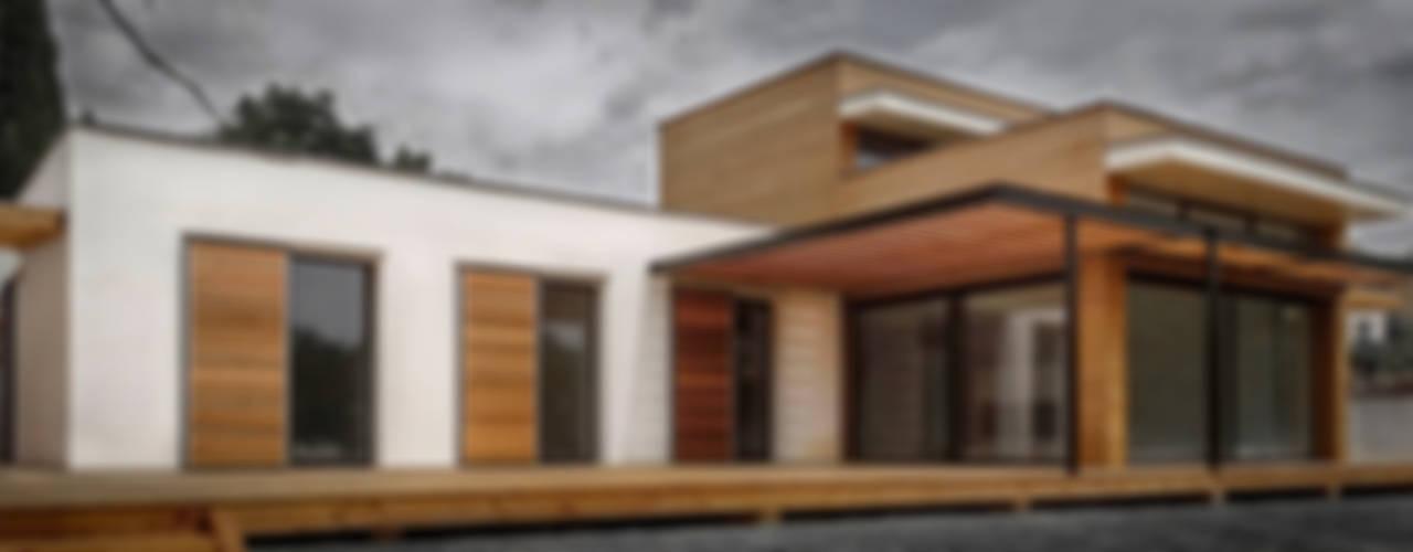 Casas modernas de SARL naturARCH Moderno