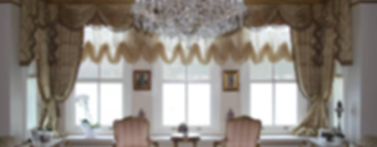 Classic style living room by Öztek Mimarlık Restorasyon İnşaat Mühendislik Classic