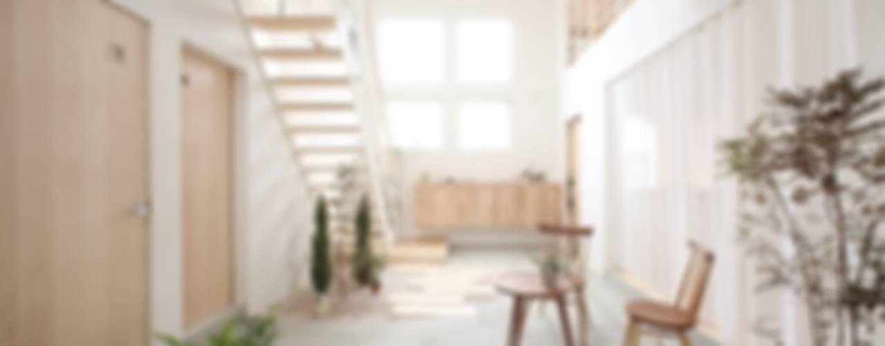 Kofunaki House オリジナルスタイルの 玄関&廊下&階段 の ALTS DESIGN OFFICE オリジナル