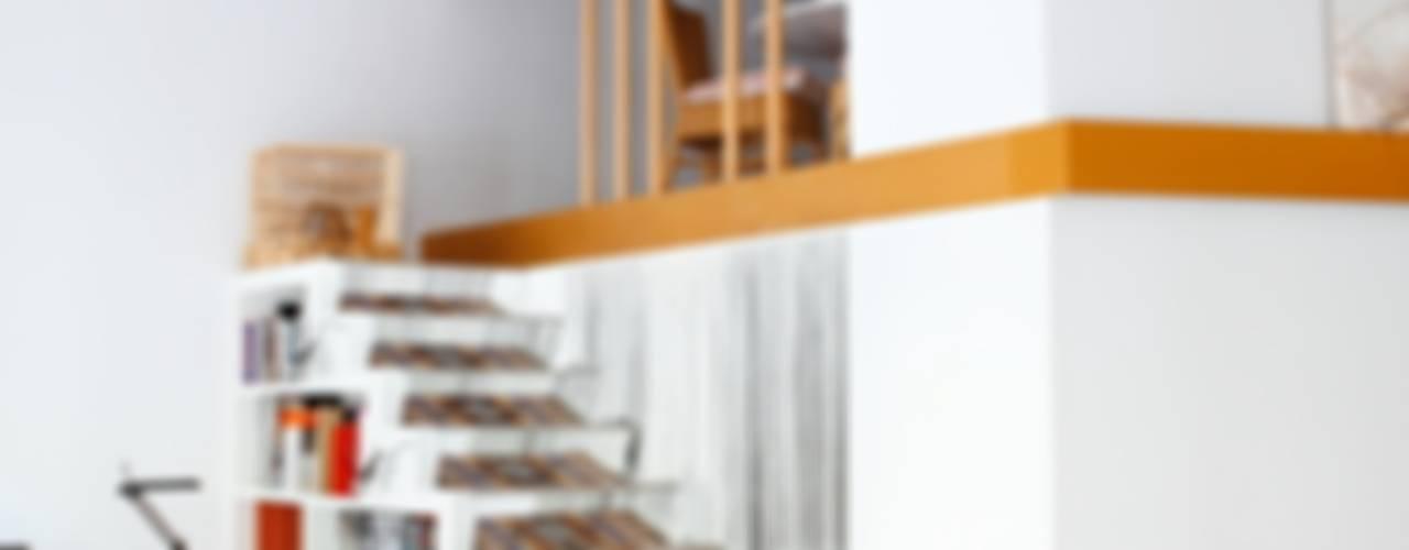 PISO SANTPERE47 Pasillos, vestíbulos y escaleras de estilo moderno de Miel Arquitectos Moderno