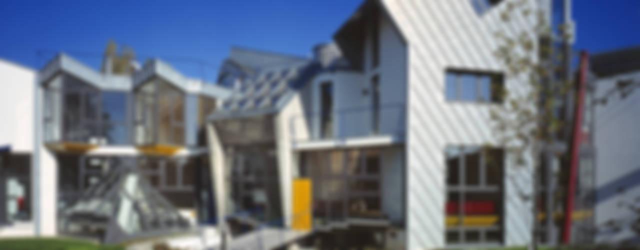 Casas de estilo  por RoccAtelier Associati