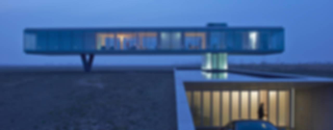 Дома в стиле модерн от Architectenbureau Paul de Ruiter Модерн