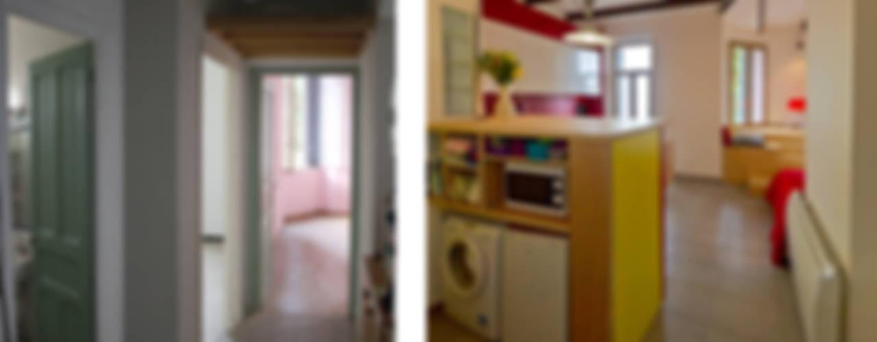 Rénovation d'un appartement à Ajaccio « Grand volume pour petite surface, un mini- loft tout citadin » Salon moderne par Atelier RnB Moderne