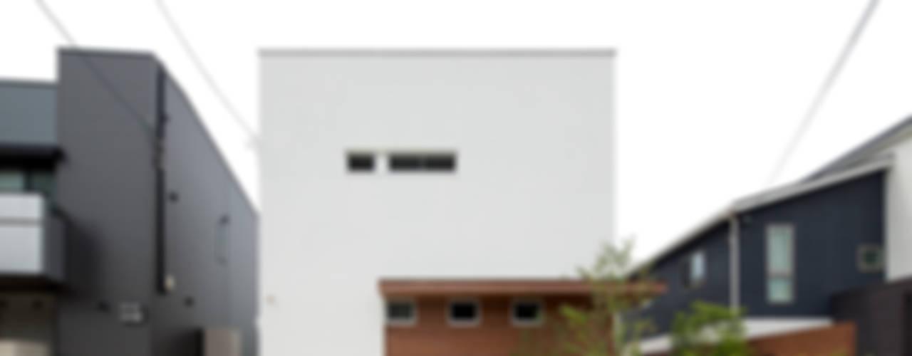 Nowoczesne domy od ラブデザインホームズ/LOVE DESIGN HOMES Nowoczesny