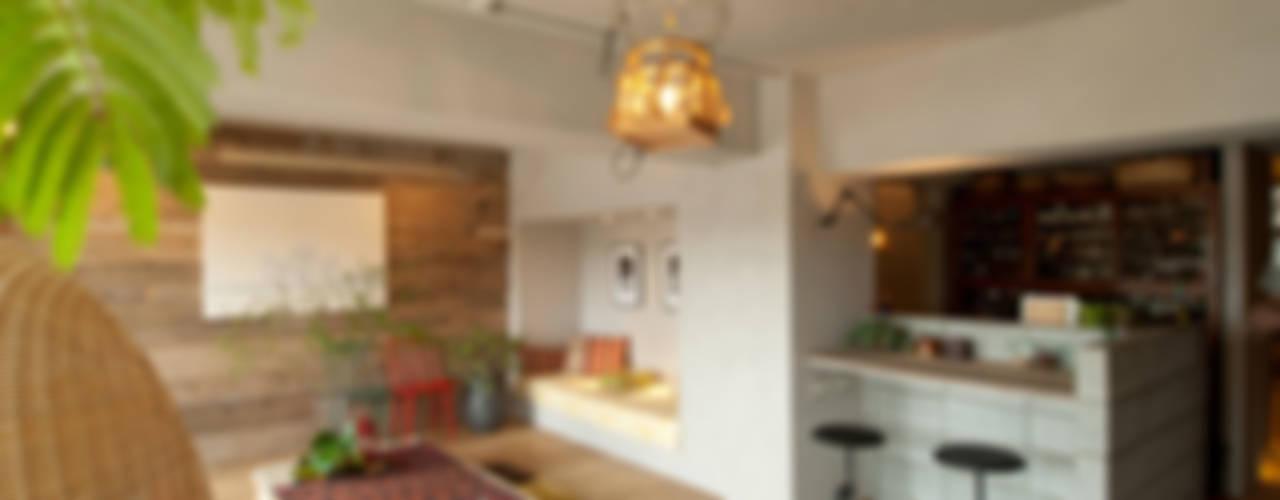 KOTESASHI HOUSE (小手指の家) 地中海デザインの リビング の TATO DESIGN:タトデザイン株式会社 地中海
