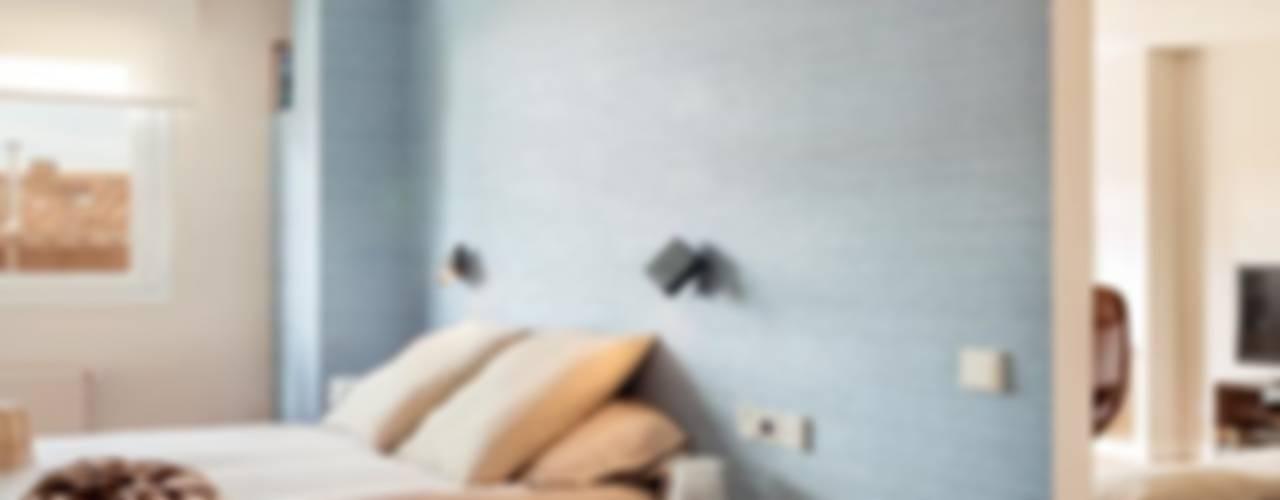 APARTAMENTO ARTURO SORIA Dormitorios de estilo minimalista de ESTER SANCHEZ LASTRA Minimalista