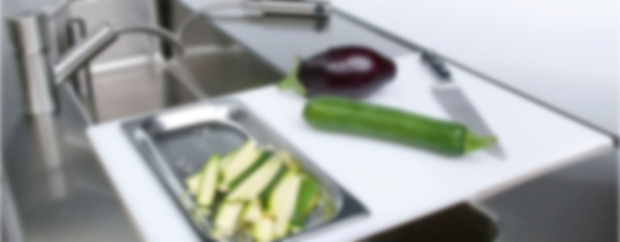 Kipro kitchen cucina professionale:  in stile industriale di bettini design, Industrial