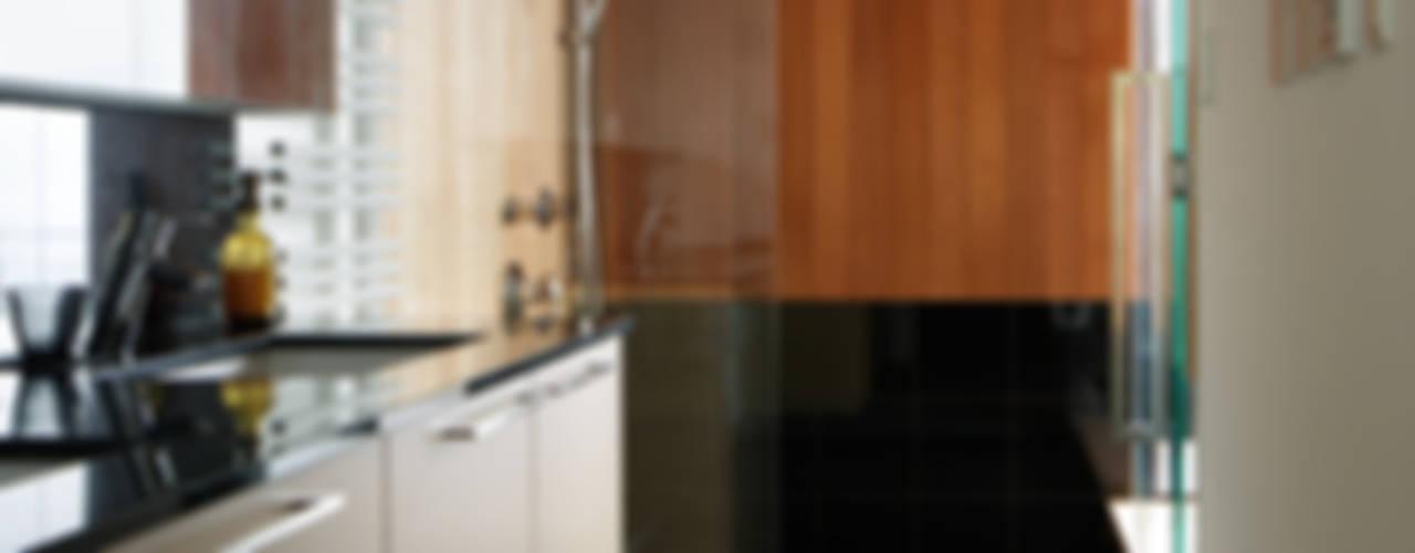 027甲府 I さんの家: atelier137 ARCHITECTURAL DESIGN OFFICEが手掛けた浴室です。,和風
