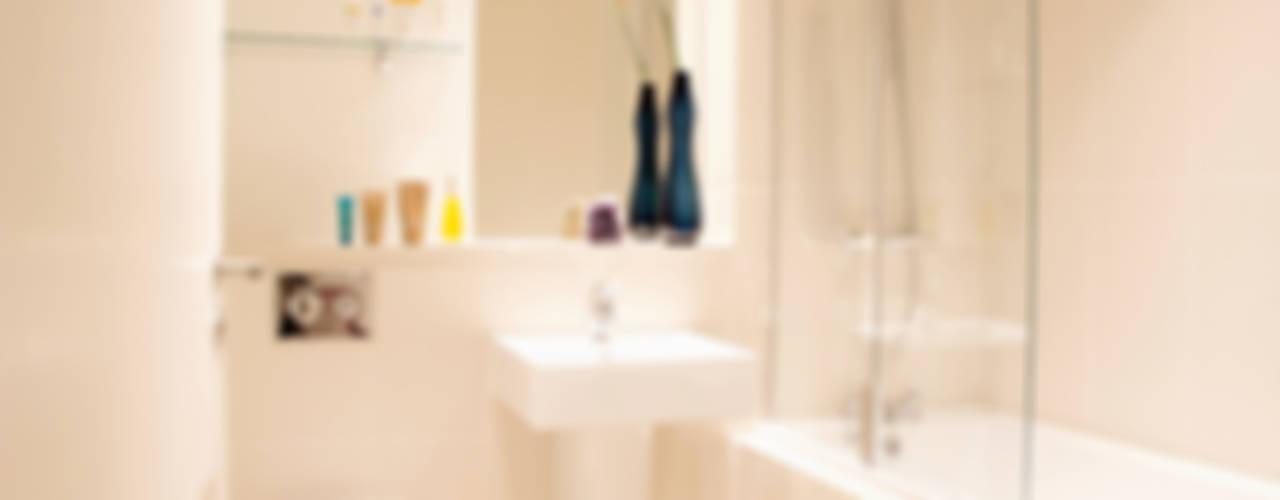 Hampstead Heath Apartment Modern bathroom by Bhavin Taylor Design Modern