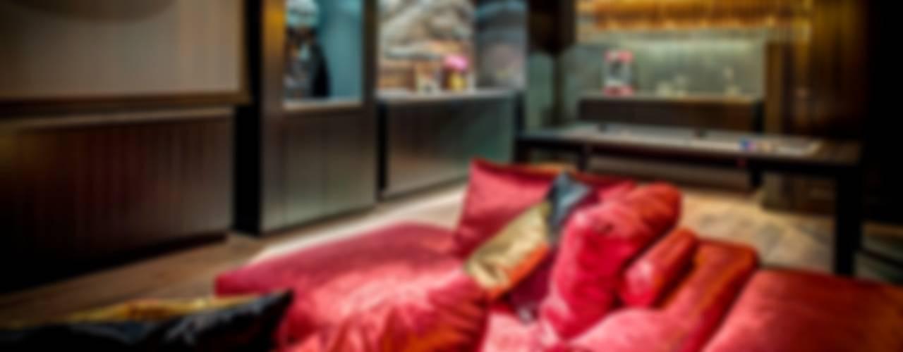 Woonvilla Blaricum Moderne mediakamers van Kabaz Modern