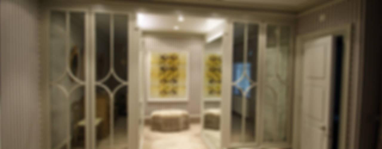 Bedrooms & Dressingrooms Moderne Ankleidezimmer von Mirrorworks, The Antique Mirror Glass Company Modern