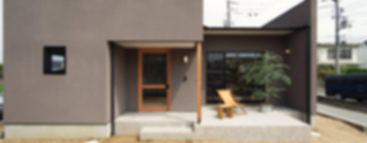 柔らかい光に包まれたらせん階段のある家 モダンデザインの テラス の ELD INTERIOR PRODUCTS モダン